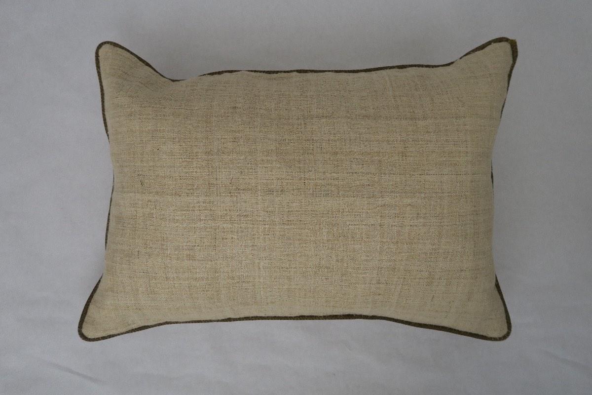 achterzijde: losse linnen/zijden stof, handgeweven op smal weefgetouw