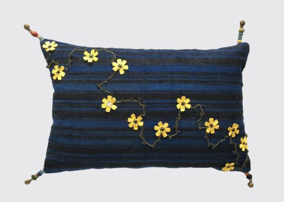 60x40cm; voorzijde: bloemenketting meegebracht uit Turkije