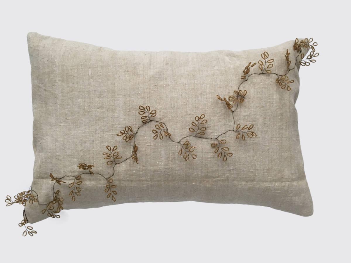 40x60cm voorzijde handgeweven linnen 19e eeuw; bloementak met kraaltjes ±1910