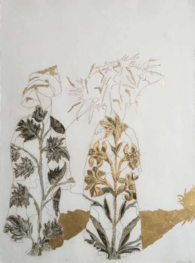 'Dragende vrouwen Rissani V' 55x74 Gemengde techniek Handgeschept papier, paardenhaar, pastel en bladgoud. (sold)
